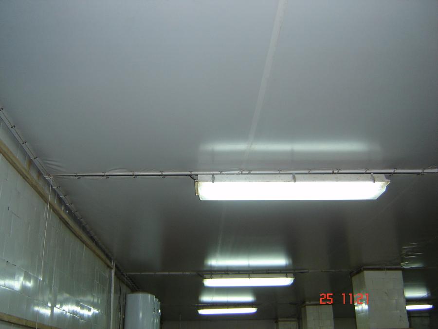 натяжной потолок на складе